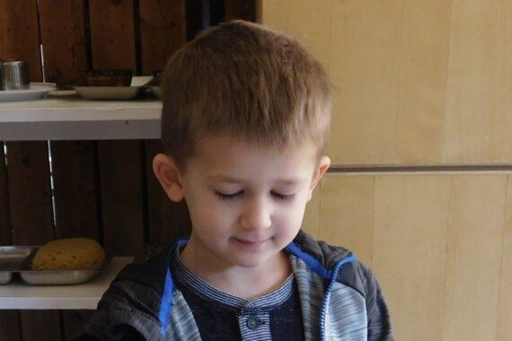 preschooler showing concept of support children's learning